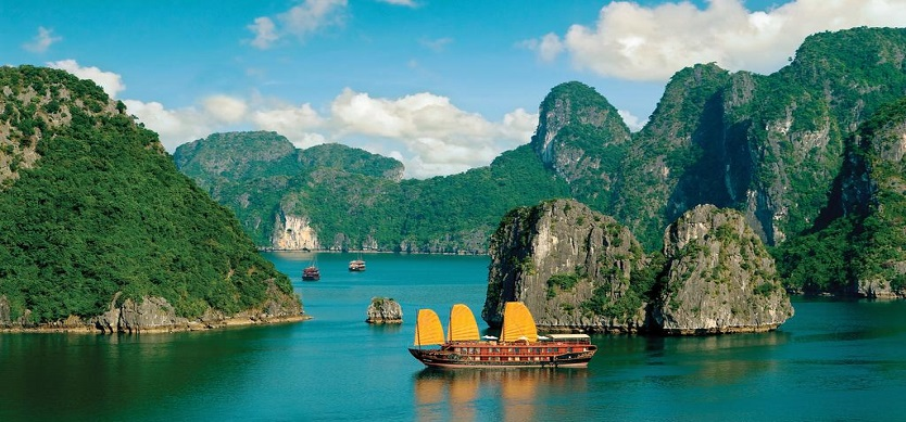 fr-Travel guides from Halong to Tuan Chau Island