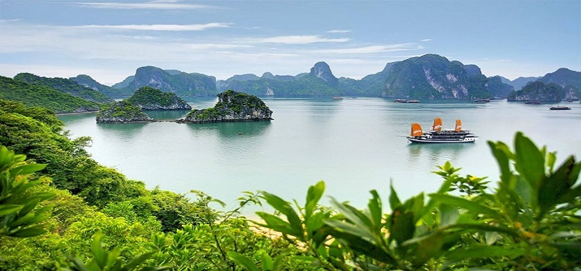 What To Pack For A Day Tour In Halong Bay