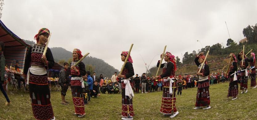 Folk Dances of the Xa Pho in Sa Pa