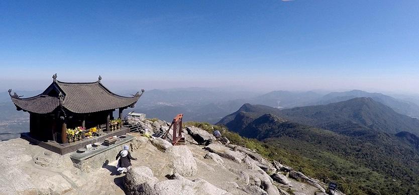 Yen Tu Mountain Day Trip from Halong