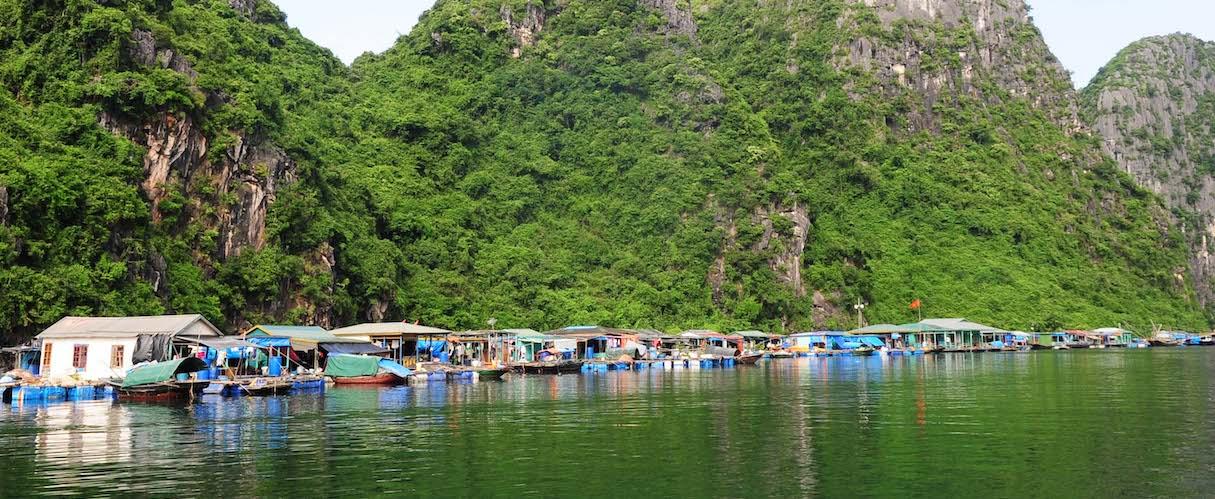 fr-Cua Van Floating Village