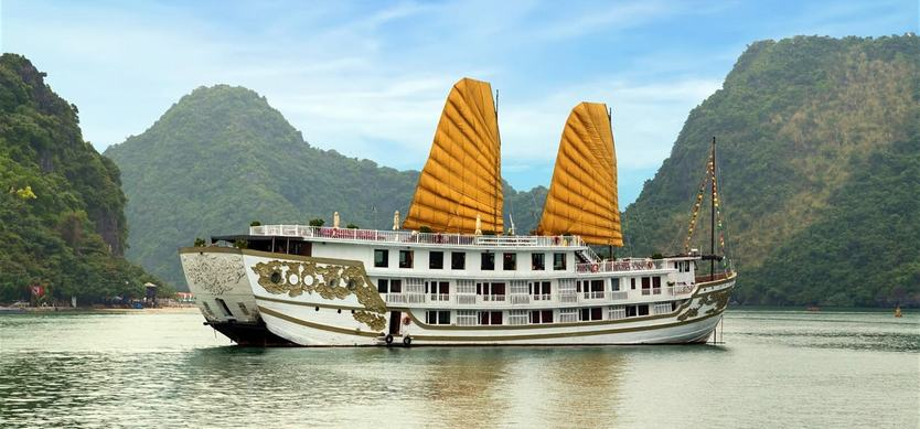 Must-do things in Halong Bay Boat Trip