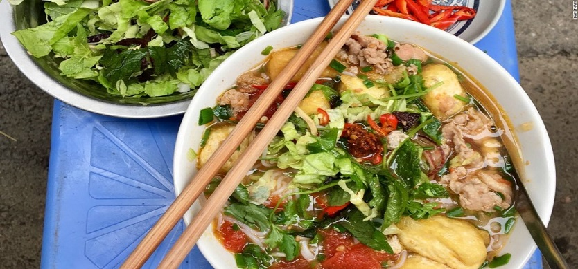 Must try Vietnam traditional dish - Pho in Hanoi