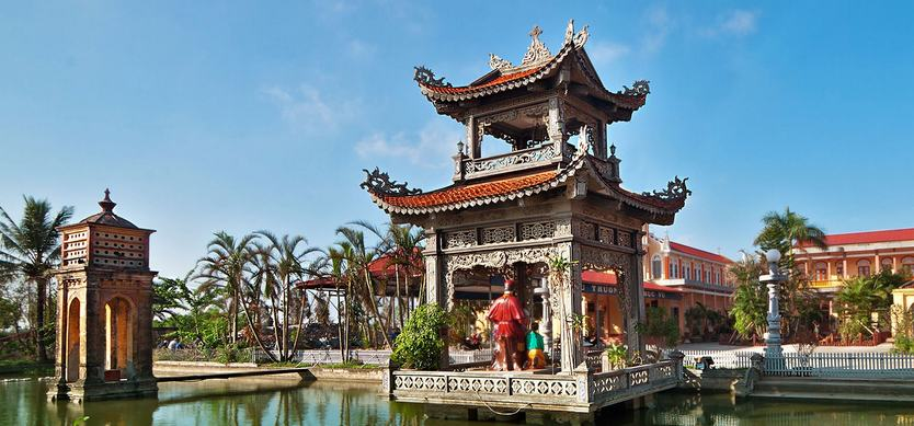 Top Vietnamese Buddhist Temples