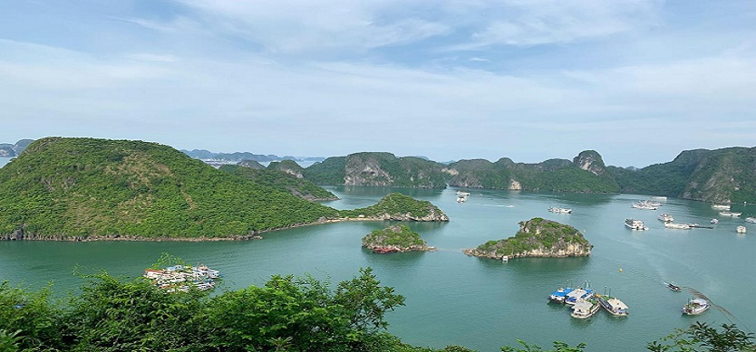 7 reasons why you should travel to Halong Bay