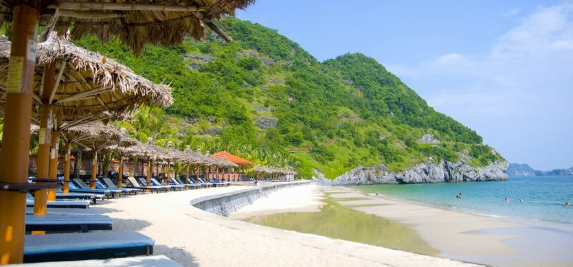 Top 7 Most Gorgeous Beaches You Should Not Miss In Halong This Summer