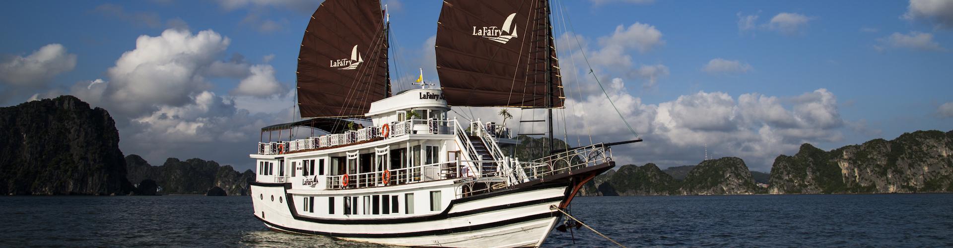 Du thuyền LaFairy Sails