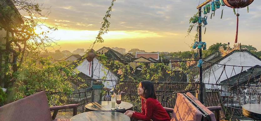 5 sky coffee shops for a panoramic view of the old town of Hoi An