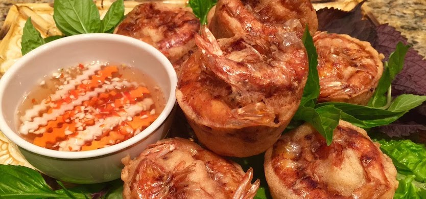Fried cake with shrimp and 6 other delicious dishes in Can Tho