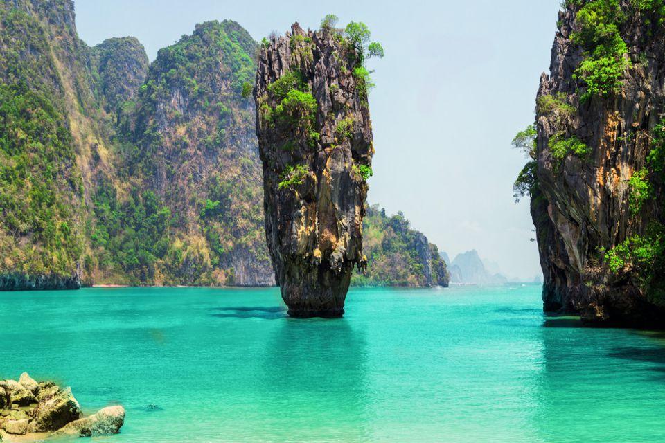 jame-bond-island