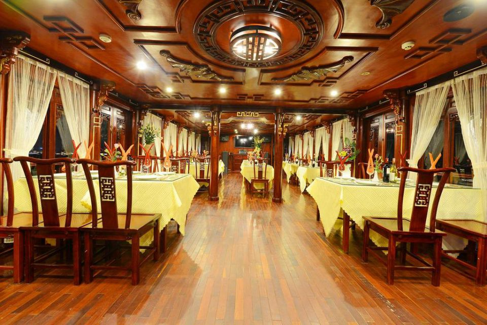 restuarant-royal-palace-cruise-2-days-1-night-4