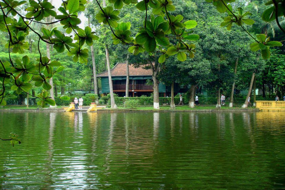 fr-Ho-Chi-Minh-stilt-house2-960