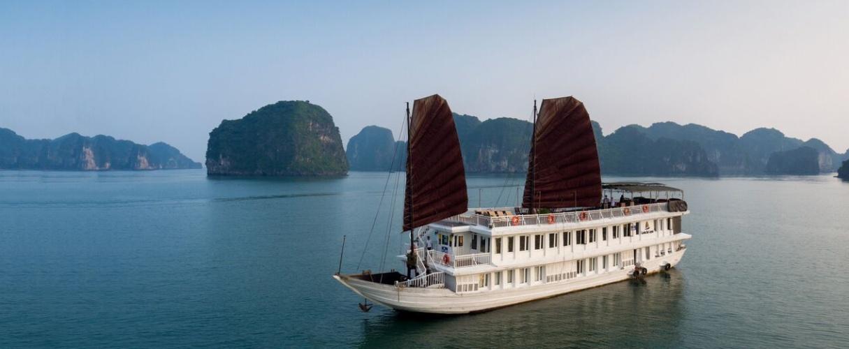 Fr-Garden Bay Legend Cruise 3 days/ 2 nights
