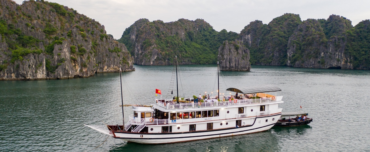 Swan Deluxe Cruise & Paddy Home 3 days/ 2 nights