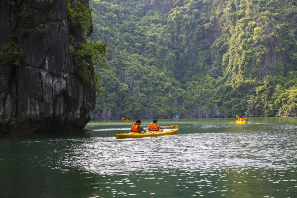 kayaking-valentine-premium-cruise-3-days-2-nights-5