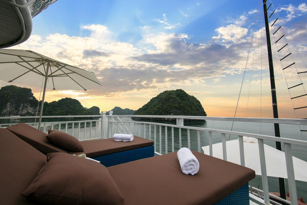 flamingo-cruise-halong-2-days-1-night-2