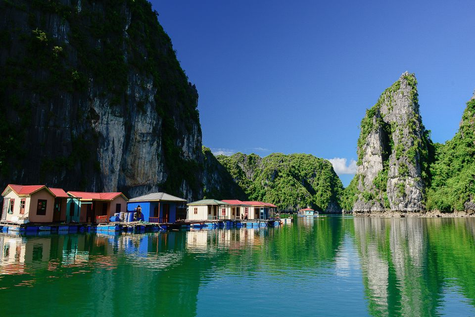 vi-vung-vieng-village-petit-white-dolphin-private-cruise-3-days-2-nights