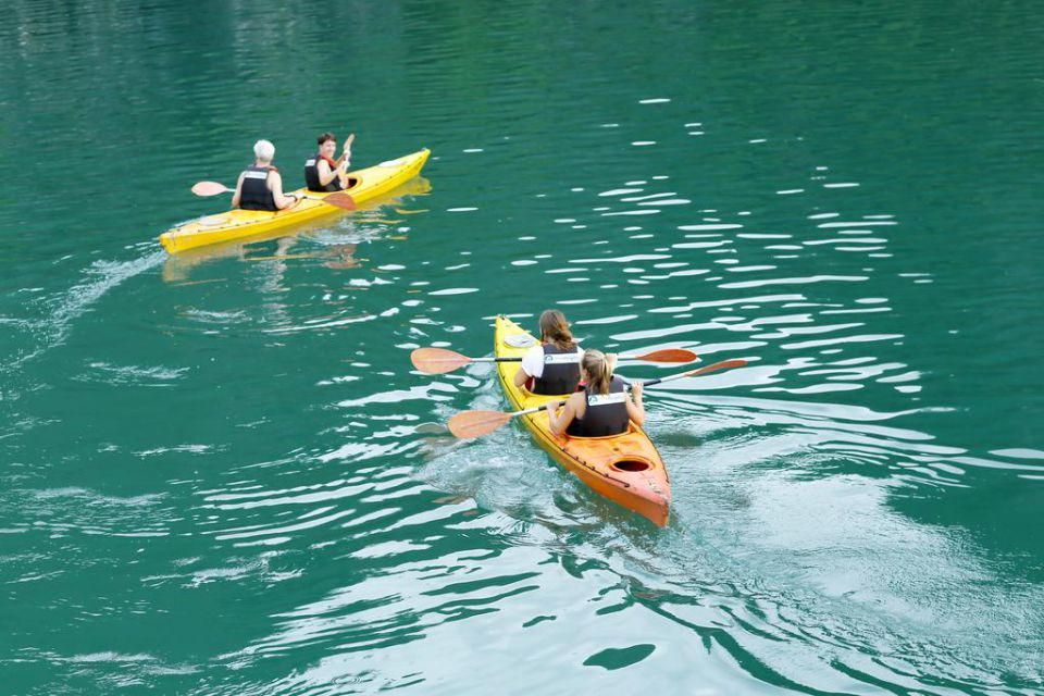 kayaking-petit-white-dolphin-cruise-3-days-2-night