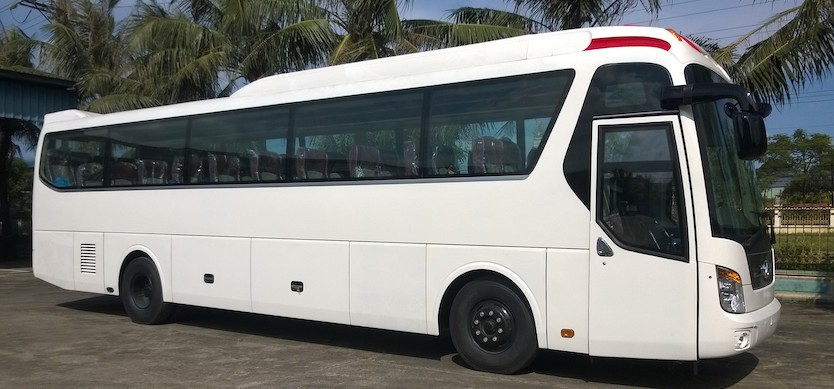 How to get to Halong Bay from Hanoi by passenger buses