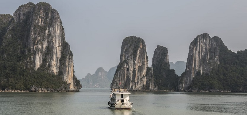 What's the weather like in Halong Bay in January?