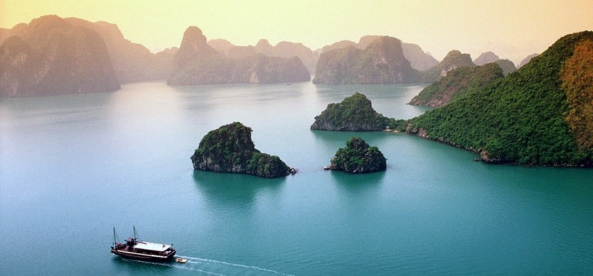 Halong Bay weather in September - Does the summer end?