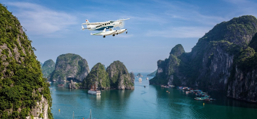 Seaplane in Halong Bay - Travelling instruction for tourists