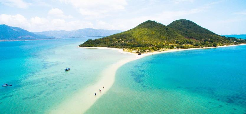 Laze yourself on the most beautiful beaches in Vietnam
