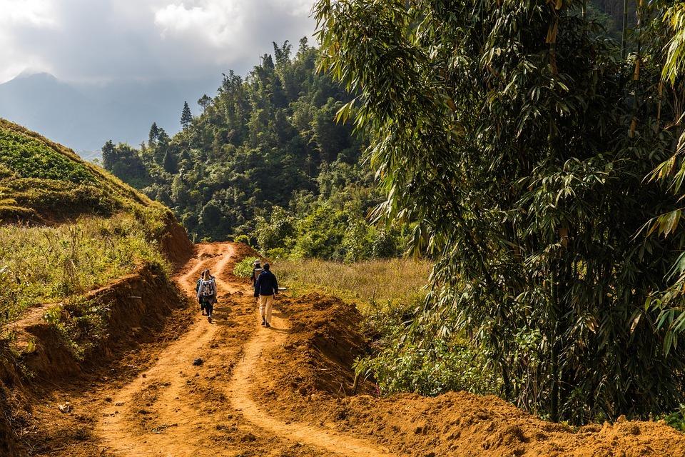 960-trekking-to-lao-chai-village