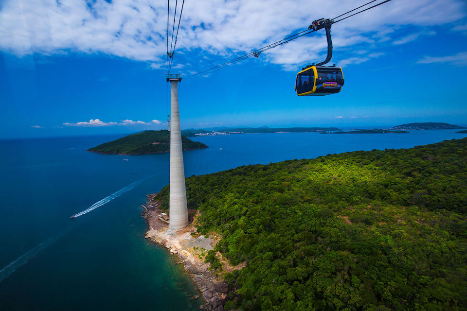 cable-car-to-hon-thom