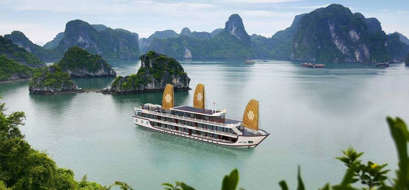 Handbook to explore Halong Bay on an overnight cruise