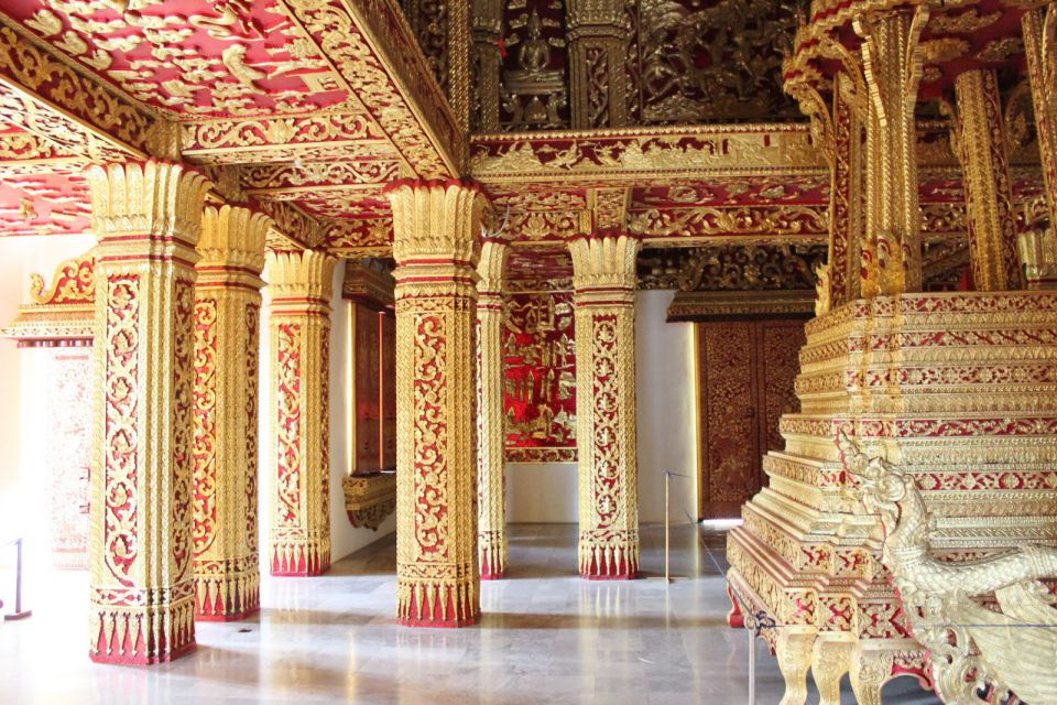 inside-royal-alace-luang-prabang