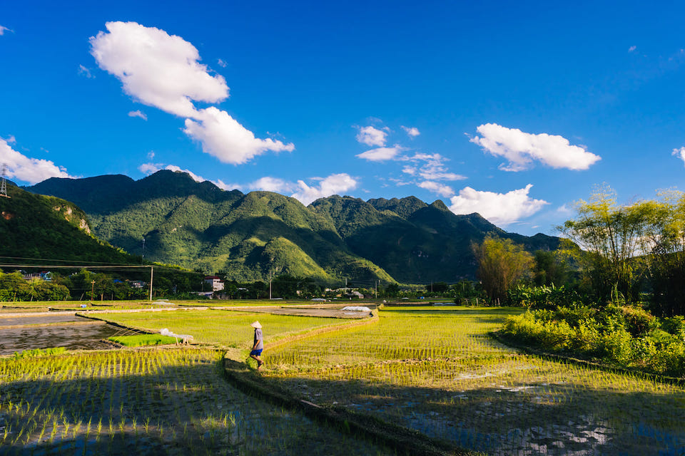 mai-chau-2-days-classic-group-tour-1