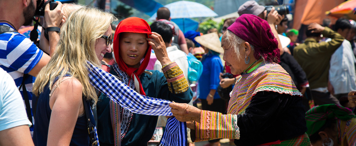 Sapa - Bac Ha Market 3D2N by bus every Friday