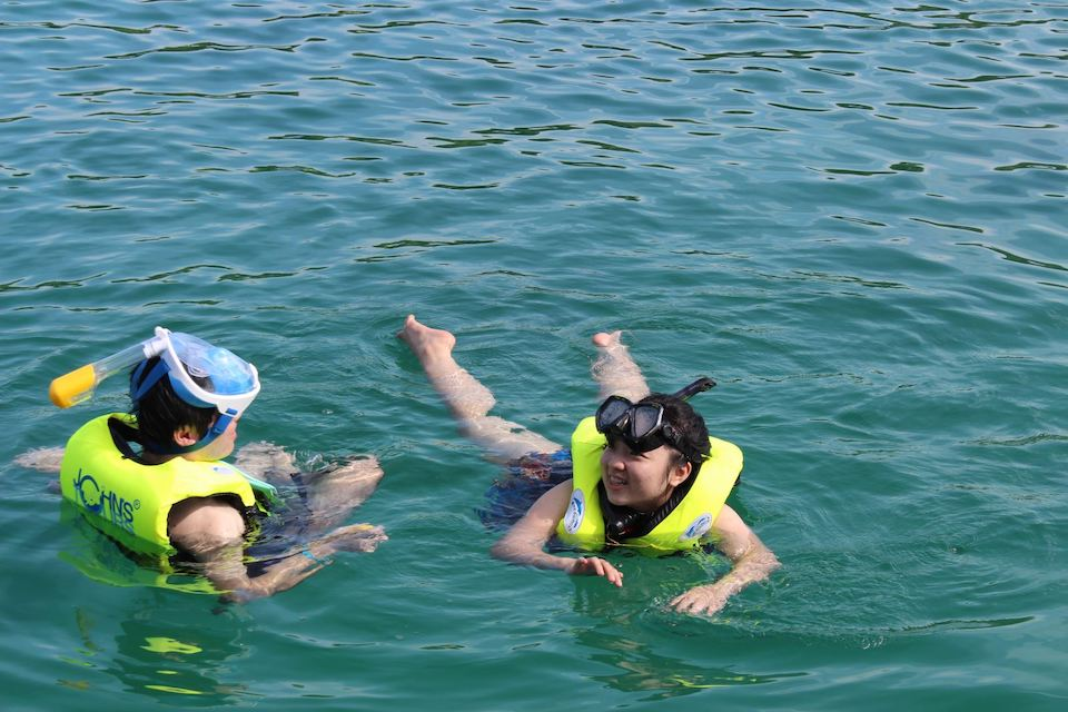 snorkeling - phu-quoc-snorkelong-and-fishing-tour-to-the-south-1