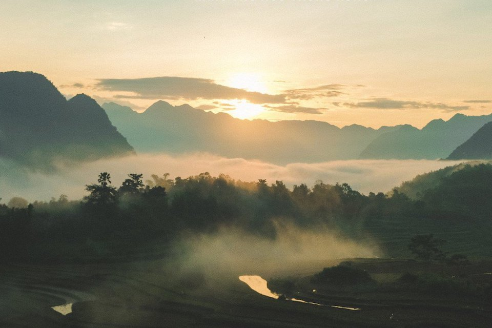 sunrise-in-pu-luong