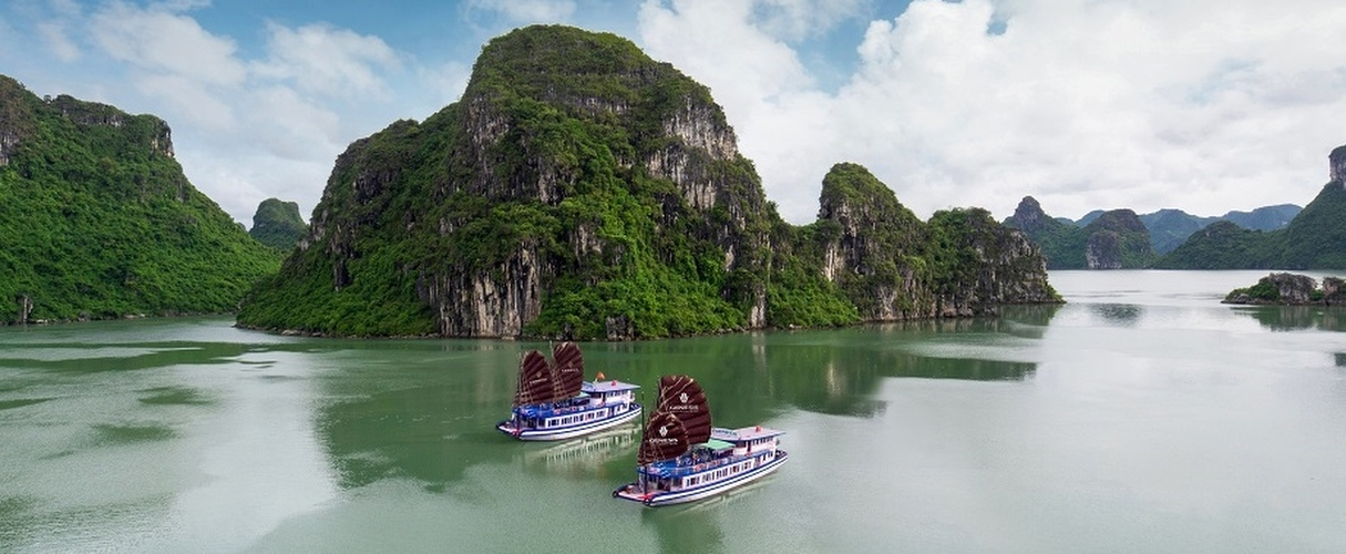 Halong luxury day cruise from Hanoi
