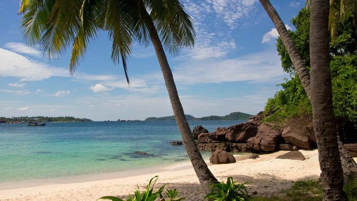 The Fingernail Island