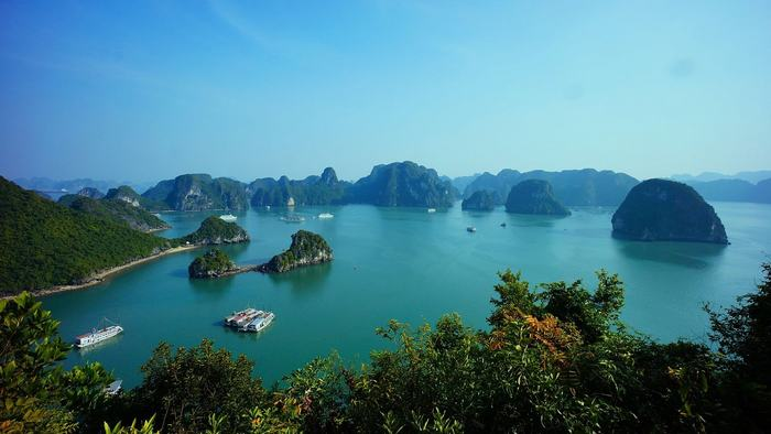 Stuning view of Halong Bay