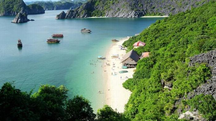 The beauty of Lan Ha Bay