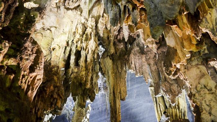 Coc San Cave