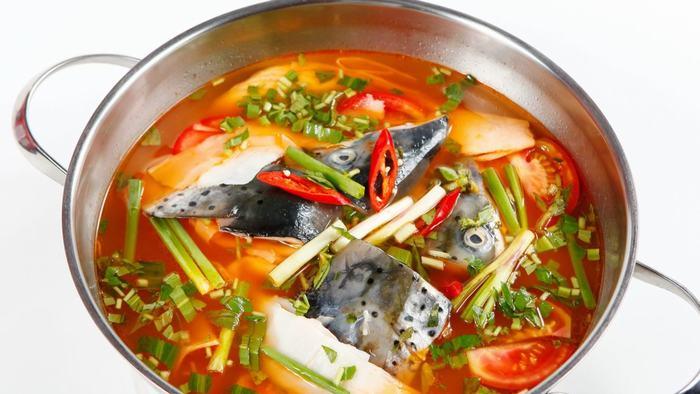Salmon sour hotpot