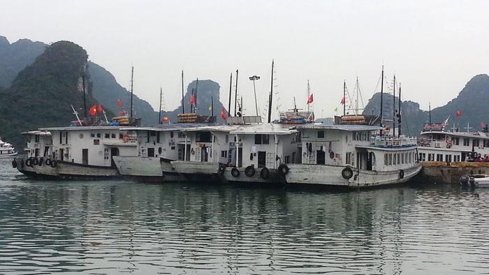 Boat to Cat Ba Island