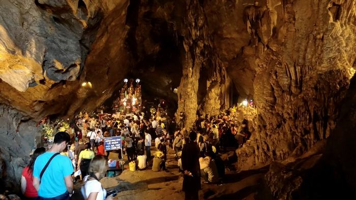 Huong Tich Cave
