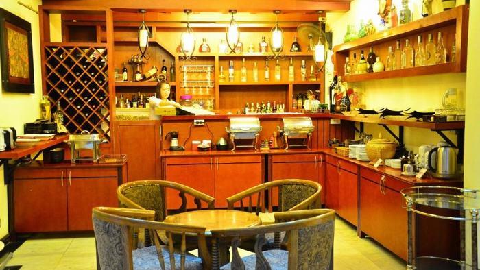 Bar at Atrium Hanoi Hotel