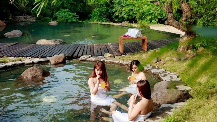 Kim Boi Hot Spring