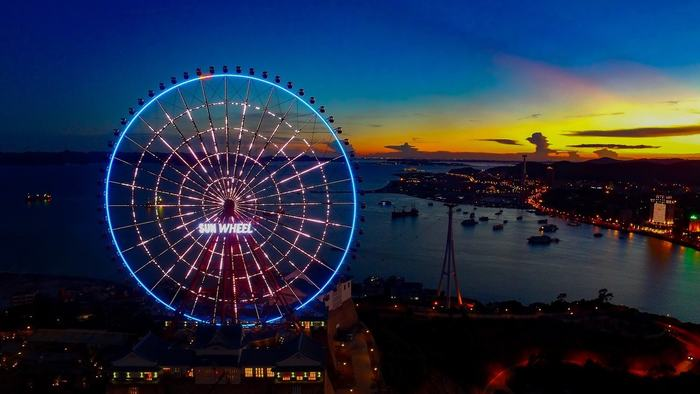 Sunwheel by night
