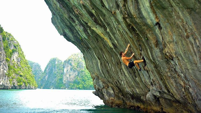 Mountain climbing in Halong