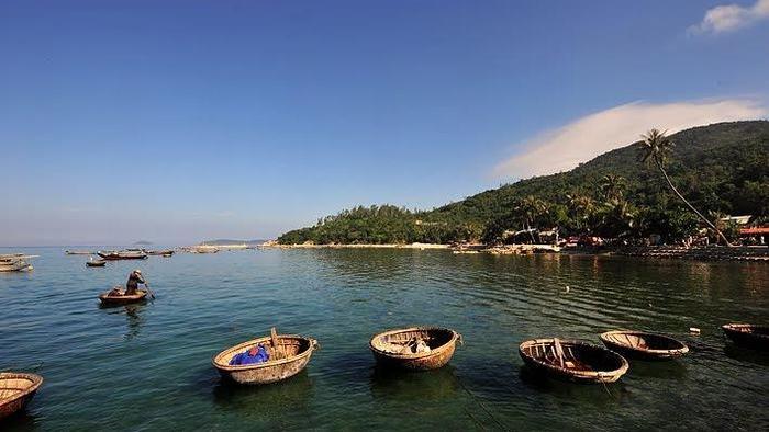 The pristine beauty of Cham Island