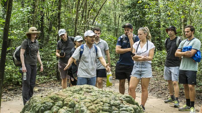 Tour in Cu Chi Tunnels
