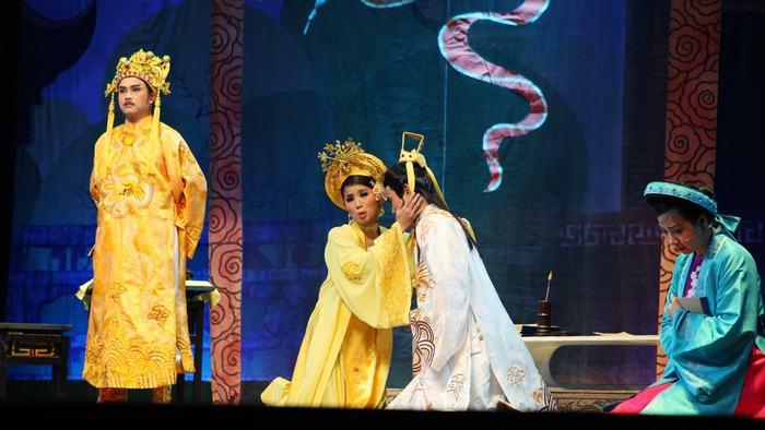 A Cai Luong play